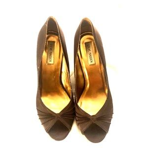 Steve Madden chocolate brown satin heel